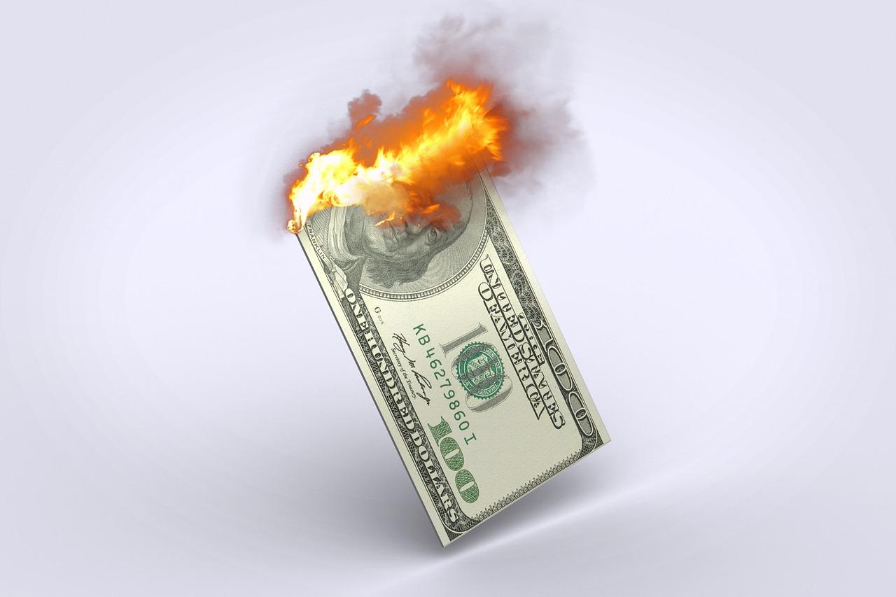 loses money